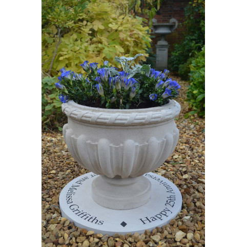 PERSONALISED CIRCULAR STONE (EXCLUDING PLANTER)